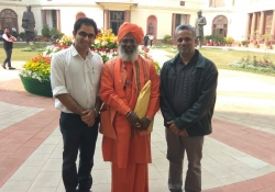 Dr Edmond Fernandes with Sakshi Maharaj at the Parliament of India